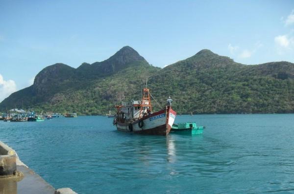 du lịch côn đảo sukha travel bến đầm