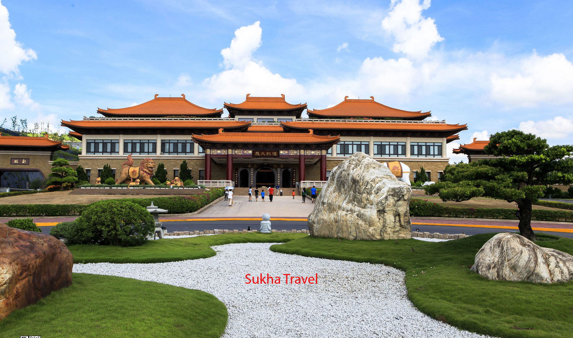 nha-tuong-niem-trung-chanh-sukha-travel